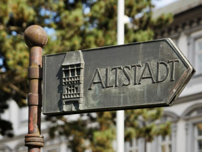 Innsbruck_-_Wegweise_Altstadt
