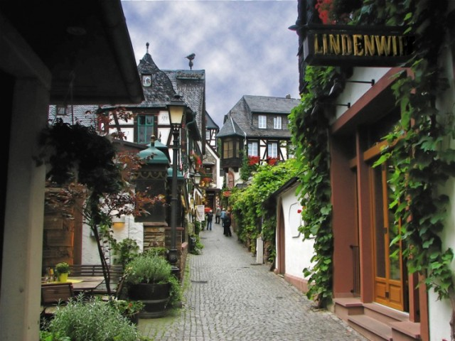 Top-German-Villages-Rüdesheim4-740x555